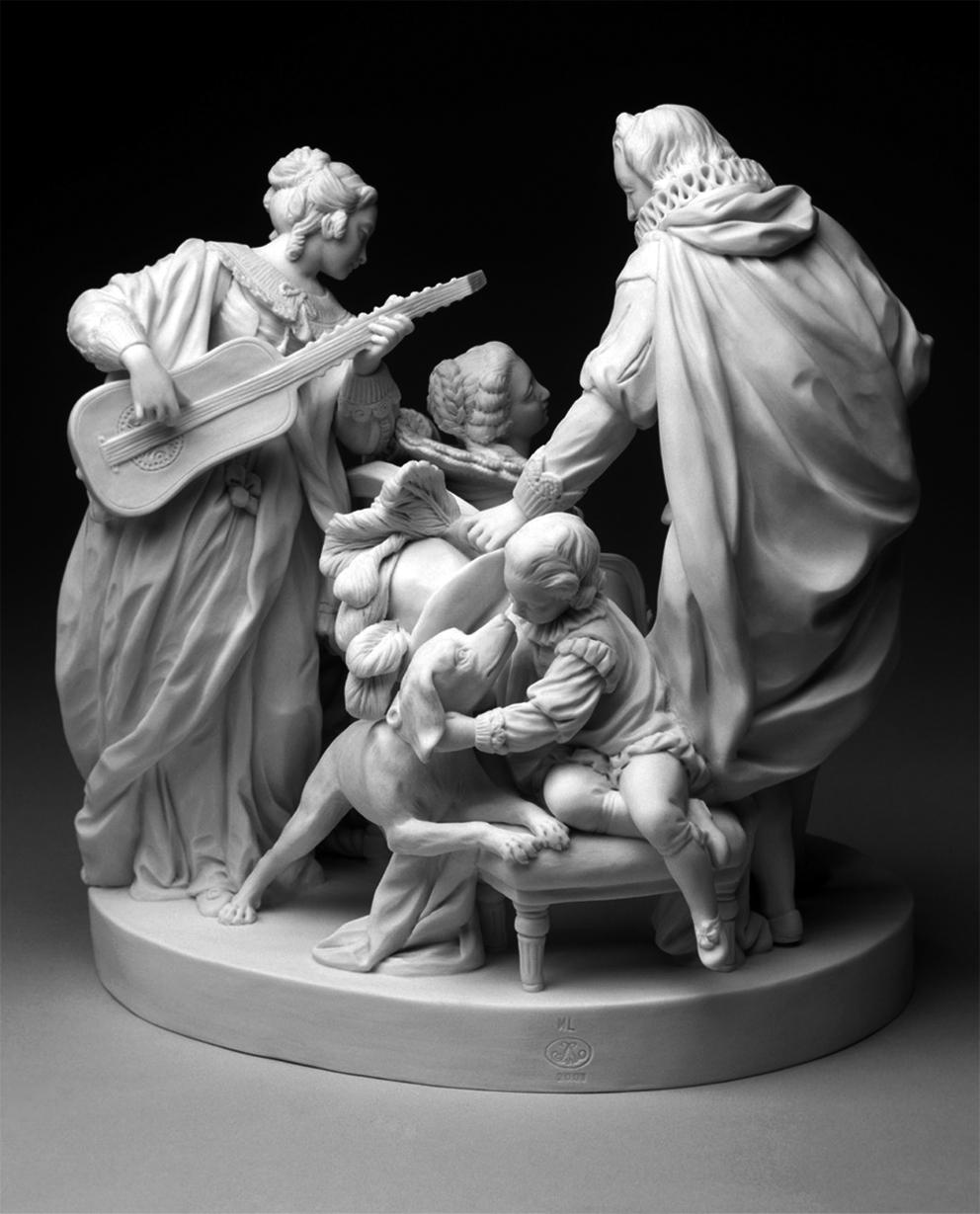 François-Joseph Duret (1729–1816) (Umkreis), La Conversation espagnole, Biskuitporzellan, 1772–1773, 23,7 cm x 24 cm x 20cm, MNC 2012.2.1, (Sèvres - Cité de la céramique/Gérard Jonca).